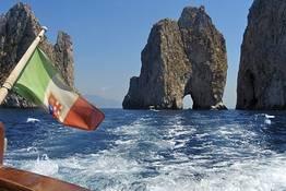 Capri e Nerano: tour privato in barca con pranzo