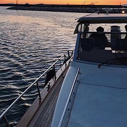 Charter System  - Luxury Sunset Private Cruise with Photo Stop