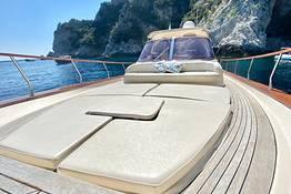 Capri by Sea: Private Tour via a Chic Gozzo Boat
