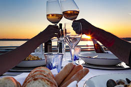 Capri Sunset Sail and Romantic Dinner at Sea