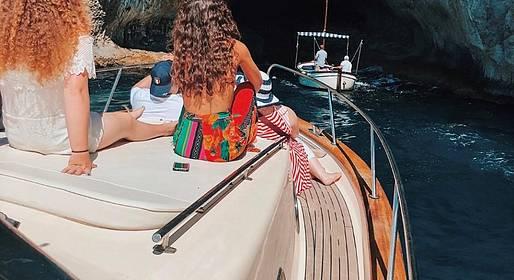 Charter System  - Capri Island tour con gozzo sorrentino - All inclusive!