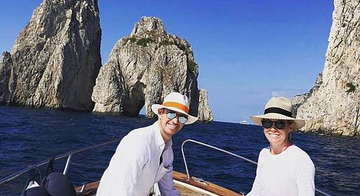 Charter System  -  Capri, romantic couple tour by private boat