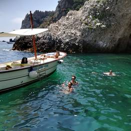 Blue Sea Capri - Capri: Boat Rental, No Skipper (No License Required!)