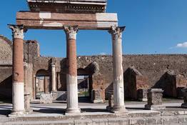 Private & Guided Pompeii + Herculaneum Tour
