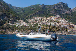Positano Dinghy Rental: Boating License Required!