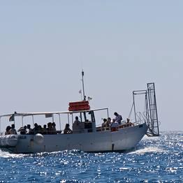 Gruppo Battellieri Costa d'Amalfi - Amalfi: taxi boat per spiagge di Duoglio e Santa Croce