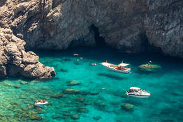 Da Sorrento a Capri in barca: tour di mezza giornata