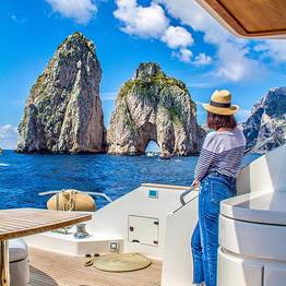 Capasecca Yacht - Dazzling Capri Tour by Luxury Yacht or Gozzo
