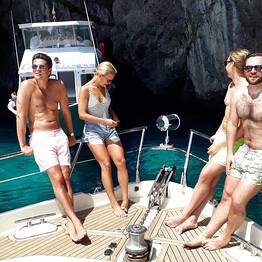 Capasecca Yacht - Ischia e Procida: tour privato in barca di lusso