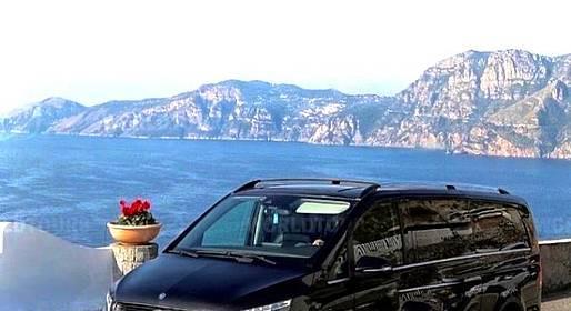 Star Cars - Tour privato a Positano e Pompei e degustazione di vini