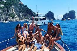 Tour in barca a Capri (di gruppo)