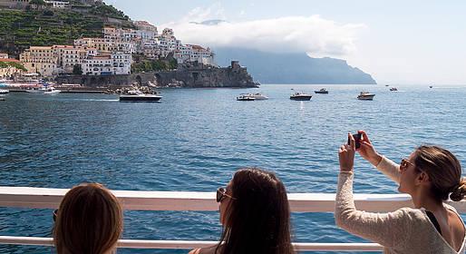 HP Travel - Tour in barca in Costiera + visita a Positano e Amalfi