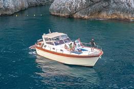 Tour privato in costiera amalfitana con barca premium