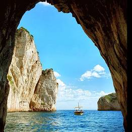 THE DIVINE:  2.15 hour tour of Capri island  - October