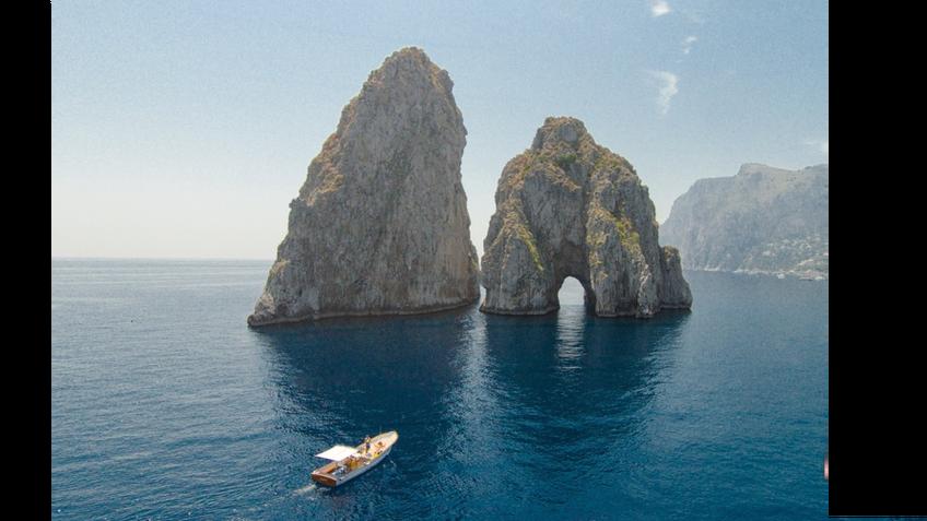 Gianni's Boat - Uma hora no barco: Faraglioni e Gruta Branca
