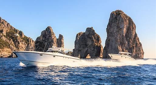 Capri Relax Boats - Mezza | Intera giornata a Capri con motoscafo Itama 38