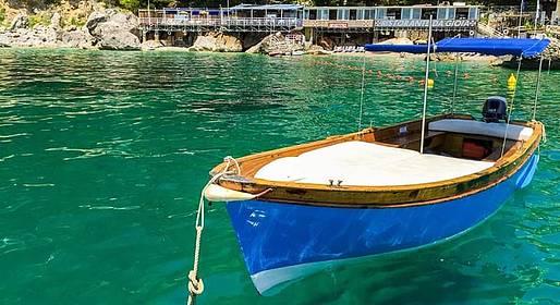 Capri Blue Boats - Noleggio Lancia caprese da Marina Piccola