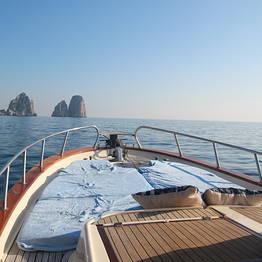 Capri Blue Boats - Giro dell'isola al tramonto con apertivo