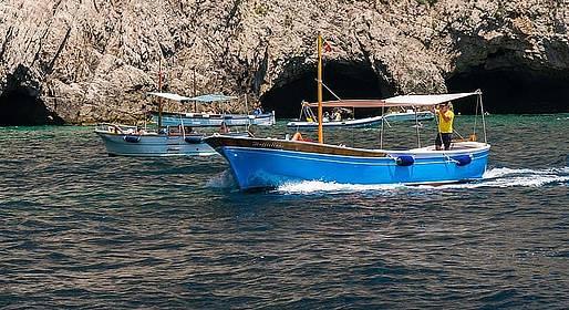 Capri Blue Boats - Escursione in gozzo a Capri