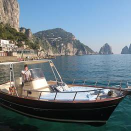 Capri Blue Boats - Tour around Capri by Traditional Gozzo