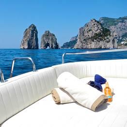 Passeio de lancha em Capri