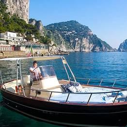 """Capri Blue Boats - Dia inteiro na Costa Amalfitana em um """"gozzo"""""""