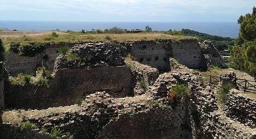 Nesea Capri Tour - Capri, tour guidato a Villa Jovis e Villa Lysis