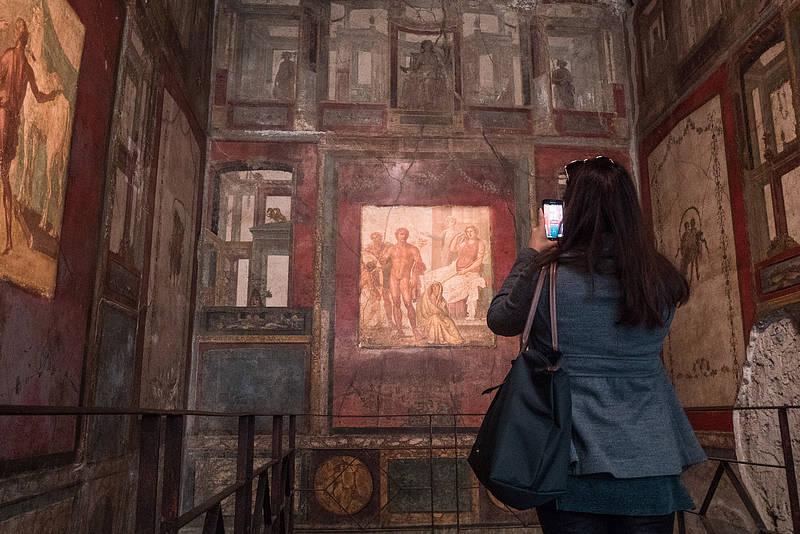 Full Day Transfer Pompeii Mt Vesuvius Herculaneum From