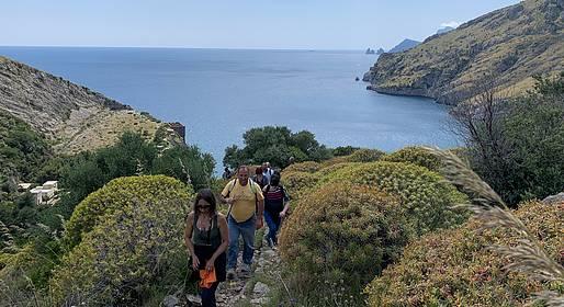 Cartotrekking - Jeranto Bay Guided Hike
