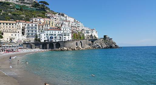 Sorrento Limo - Amalfi Coast Package: RT Transfers from Naples + Tour