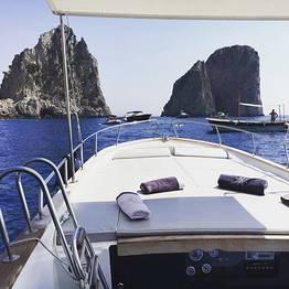 """Boat Tour of Capri in a """"Chic Gozzo"""""""