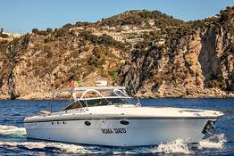 "Capri Relax Boats - Full day around Capri by speedboat ""Itama 38"" (12 mt)"
