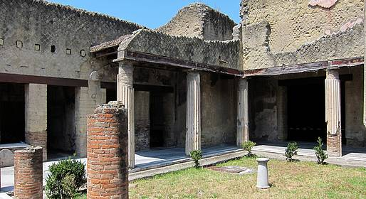Sunland Travel - Tour Pompei + Ercolano su bus GT dalla Costiera