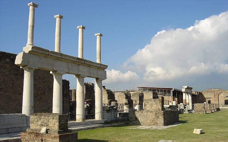 Sunland Tours Pompeii