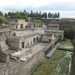 Sunland Travel - Herculaneum & Sorrento Bus Tour from Amalfi Coast