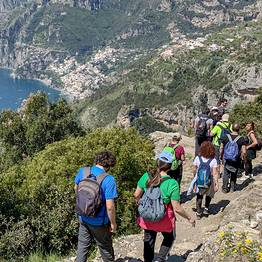 Cartotrekking - Hiking guide for the Path of the Gods tour transfer from Sorrento