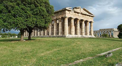 Sorrento Limo Web - Tour of Paestum + mozzarella experience