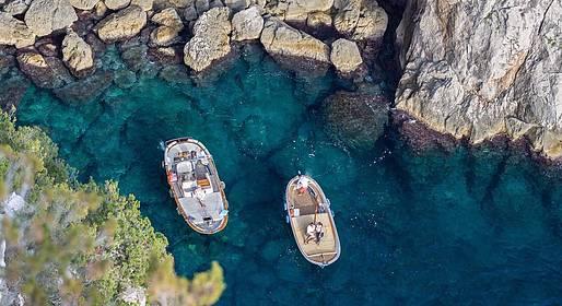 Capri Island Tour - Tour ao redor da ilha de Capri em gozzo - dia inteiro