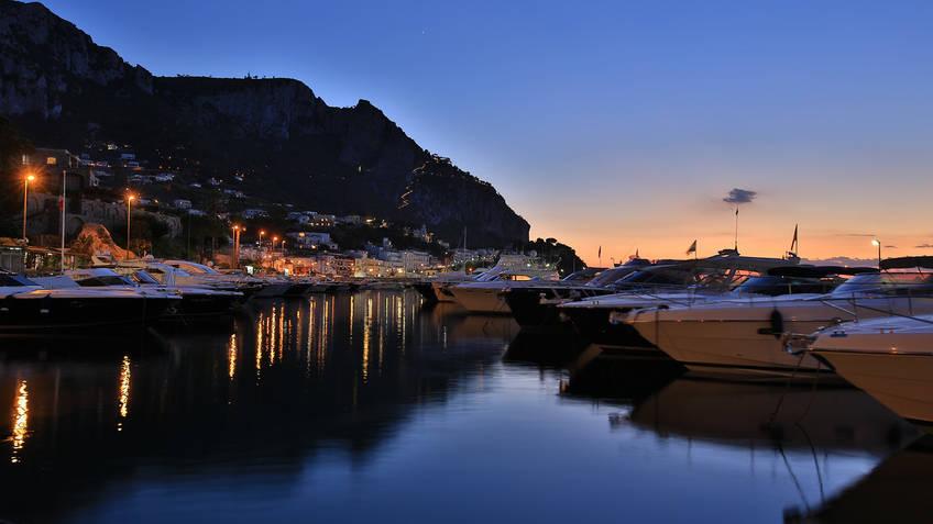 Capri Island Tour - Boat shuttle per cenare in Costiera Amalfitana