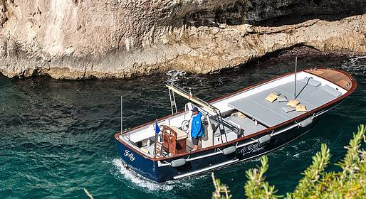 Capri Relax Boats - Tours with large lancia boat Milano-Aprea (10 mt)