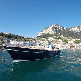 Capri excursion su motolancia Milano-Aprea (10 mt)
