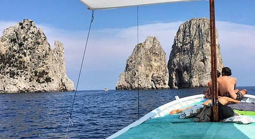 Capri Boat Service - Private Boat Tour of Capri by Traditional Gozzo 4 h