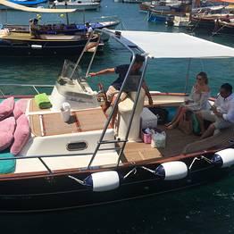 Capri Boat Service - Escursione a Capri in gozzo tradizionale