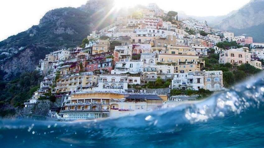 Capri Boat Service - Favoloso day tour in Costiera Amalfitana in gozzo