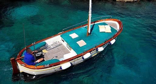 Capri Boat Service - Private Capri Boat Tour via Gozzo with a Swim