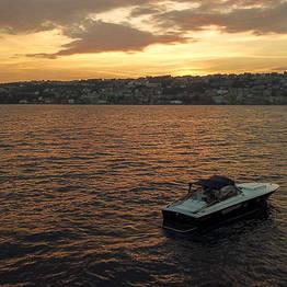 Capri Boat Service - Transfer Capri <--> Amalfi a bordo de uma lancha