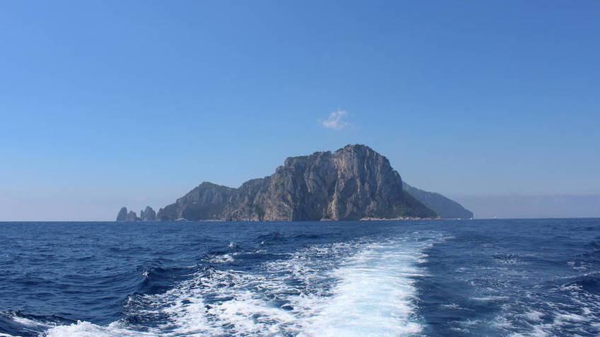 Capri Boat Service Transfer  - Da Capri ad Ischia in transfer privato su motoscafo