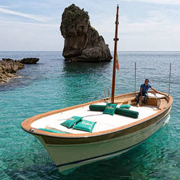 The Classic Boat Tour of Capri (2h)