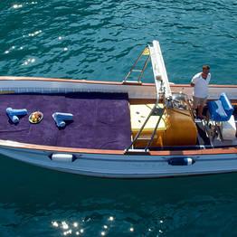 Capri Boat Service - Luxury Capri Boat Tour by Fratelli Aprea Lancia/Gozzo