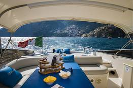 - Boat Transfer Between Positano and Capri